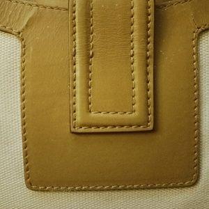Gucci Bags - Auth vtg Gucci elegant shoulder bag crossbody